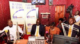 President Museveni on Radio Buddu with Ministers Vincent Bamulangaki Ssempijja and Chris Baryomunsi