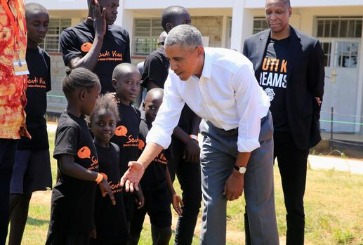 Barack Obama returns to Kenyan 'home'