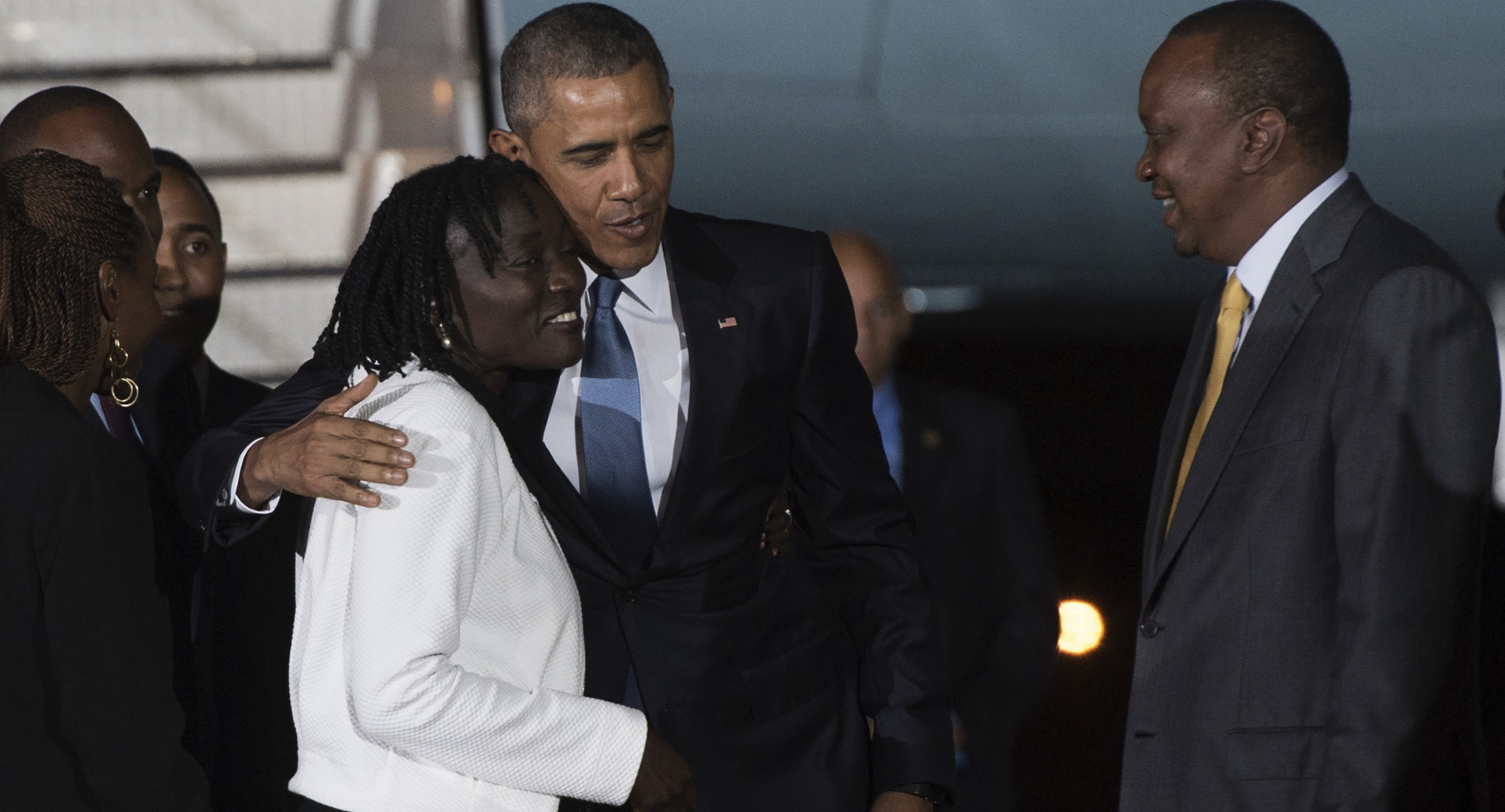 Obama visits Africa, recommends Achebe, Chimamanda's books for summer read